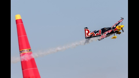 Red Bull Air Race World Champion contender Martin Sonka clears a pylon in Master Class Qualifying at IMS