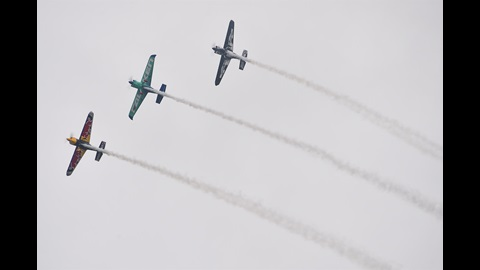 Red Bull Air Race planes fly into IMS from Eagle Creek Airpark